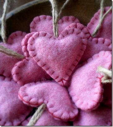 Валентинки из войлока своими руками