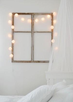 Фальшь окно в светлой спальне