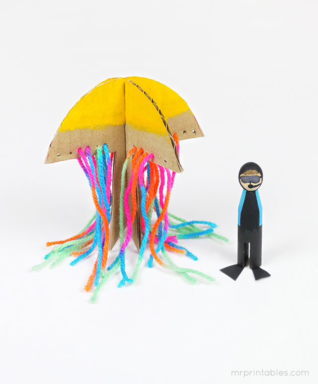 cardboard-jellyfish-and-diver-peg-doll