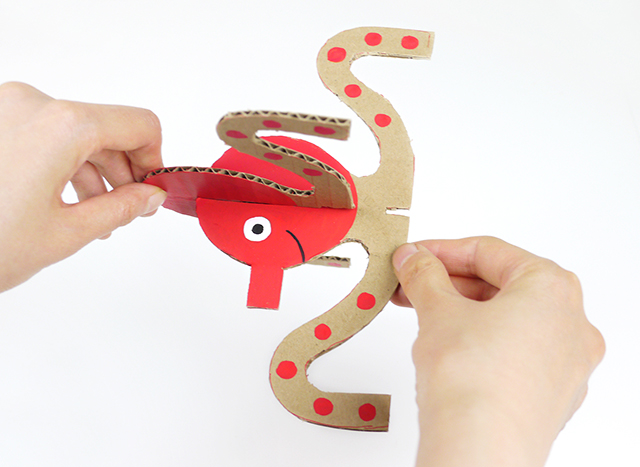 how-to-make-cardboard-octopus-step-1